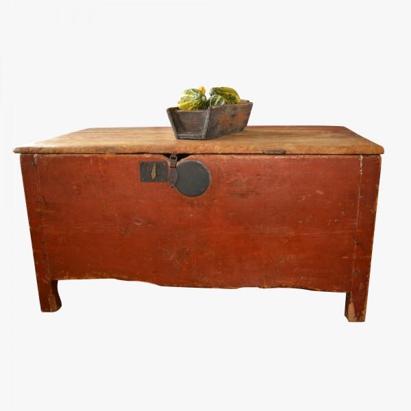 Coffre antique rouge à clous de forge 3