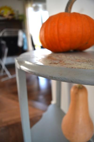 Table demi-lune grise style rustique chic3