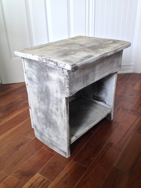 Table de chevet, meuble shabby chic rustique