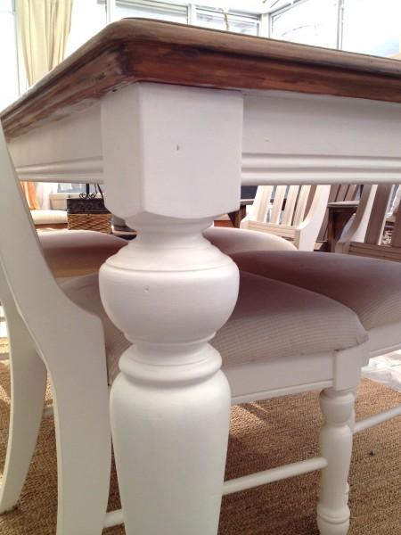 Table de salle à manger crème, bois et 6 chaises3