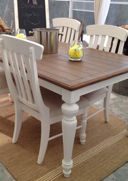 Table de salle à manger crème, bois et 6 chaises