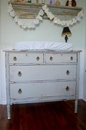 Commode ou table à langer shabby chic gris et bois